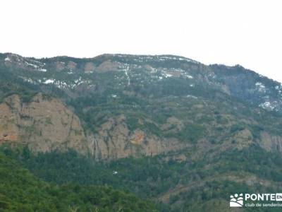 Viaje Semana Santa - Mallos Riglos - Jaca; senderismo viajes; excursiones senderismo;marcha san seba